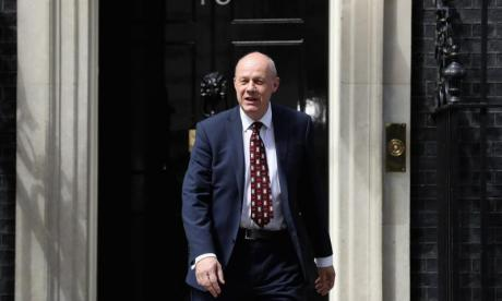 Retired detective claims Damian Green's work computer had thousands of pornographic images found during 2008 police raid
