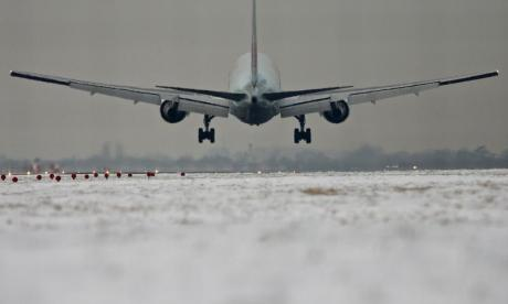 Hundreds of flights grounded due to bad weather