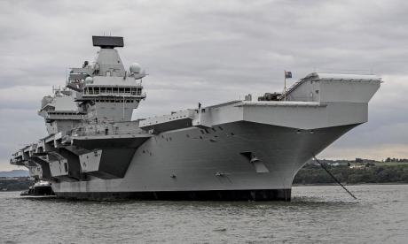 The leak sustained by HMS Queen Elizabeth isn't a problem, according to a navy veteran