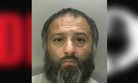 Parveez Akthar pulled out a knife and stabbed his wife without warning