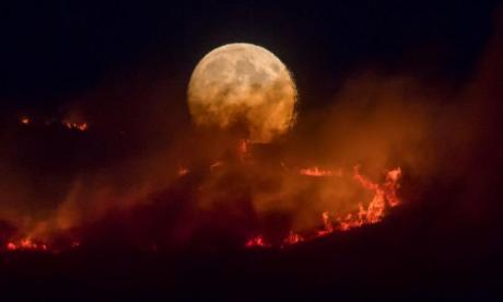 Fire on Saddleworth Moor could go on 'for weeks'