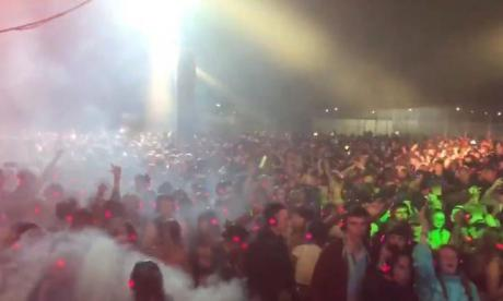 Reading Festival crowd chants 'Oh Jeremy Corbyn' at silent disco