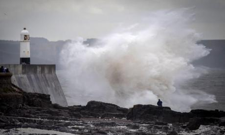 Storm Ali: Travel disruption, power cuts and flying debris expected