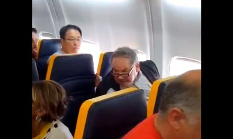 Ryanair racist: MPs condemn budget airline for failure to remove abusive passenger