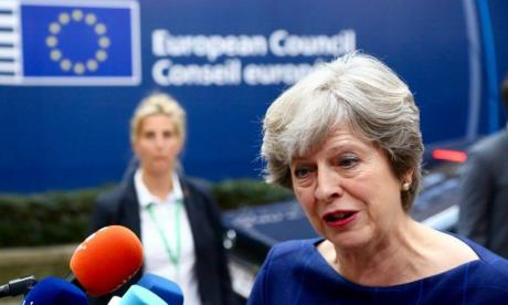 "Theresa May will not agree a Brexit deal that ""traps"" UK in customs union, says Downing Street"