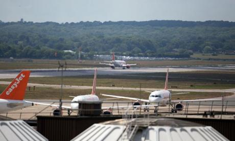 Gatwick airport suspends flights after drone sightings