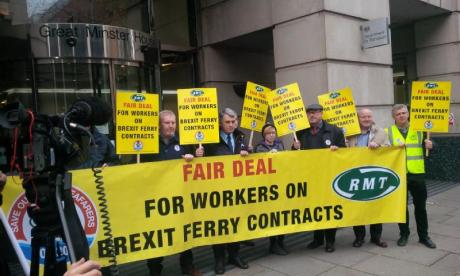 Maritime union protests over Chris Grayling's Brexit ferry contracts