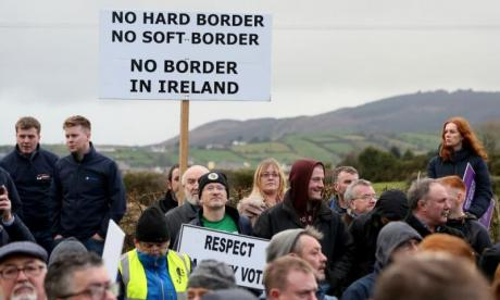 Former Northern Ireland first minister threatens to take Government to court over Brexit backstop