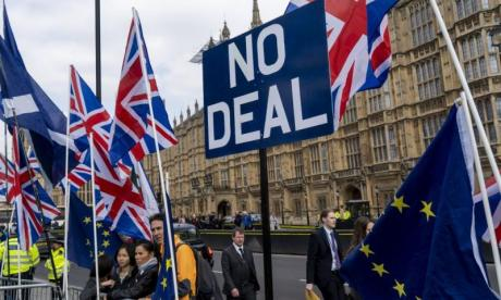 Conservative MPs split over Theresa May's Brexit deal