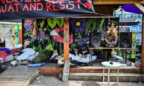 Squatters resist eviction from famous Bristol landmark